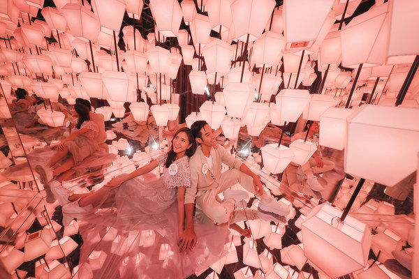 The 'Golden Autumn Lumiere' campaign at Temple Mall features an Insta-worthy gigantic interactive light installation
