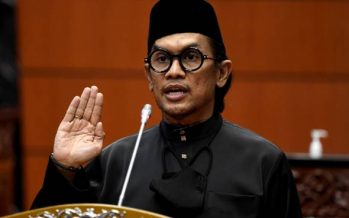 Arman Azha sworn in as senator